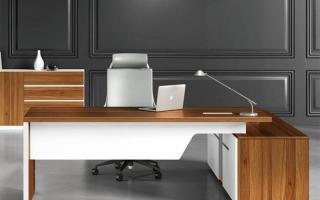 mẫu bàn làm việc văn phòng đẹp của giám đốc U13
