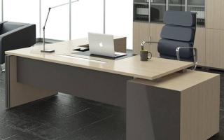 mẫu bàn làm việc văn phòng đẹp của giám đốc U9
